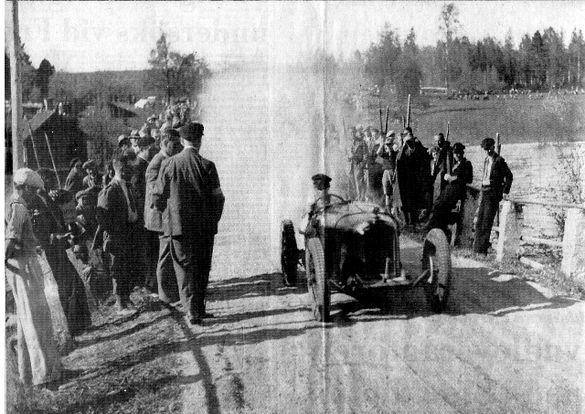 Adolf Westerblom kallad Spak-Adolf i en Anzani på startlinjen 1935.jpg